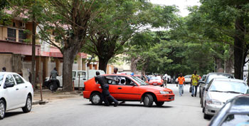 Problems in Ivory Coast: problems with road network
